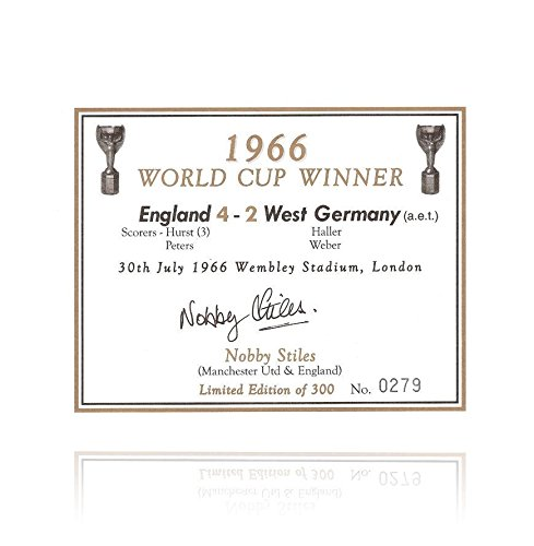 nobby-stiles-hand-signed-champagne-label-1966-autograph-soccer-autographed-miscellaneous-items