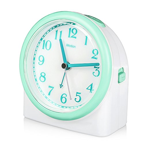 Non-ticking Analog Alarm Clock with Snooze and Nightlight, Adjustable Smart Light Desk alarm Clock Protect the Eyes, Battery Operated,Green