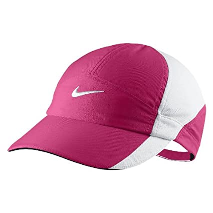 reputable site 25bfd 3a1f2 Amazon.com  NIKE Womens Featherlight Embroidered Ball Cap  Sports   Outdoors