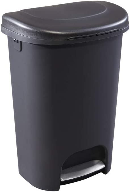 Amazon Com Rubbermaid Step On Lid Trash Can For Home Kitchen And Bathroom Garbage 13 Gallon Black Home Kitchen