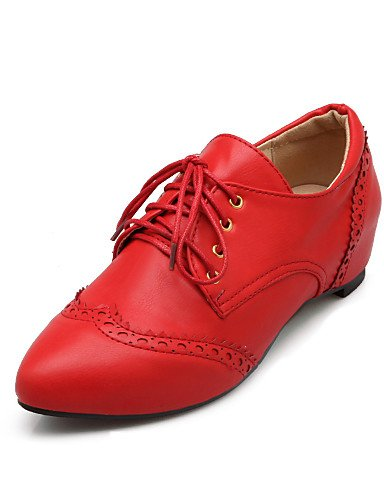 ZQ 2016 Zapatos de mujer - Tacón Cuña - Comfort / Puntiagudos - Oxfords - Casual - Semicuero - Negro / Rosa / Rojo / Beige , red-us8.5 / eu39 / uk6.5 / cn40 , red-us8.5 / eu39 / uk6.5 / cn40 red-us7.5 / eu38 / uk5.5 / cn38