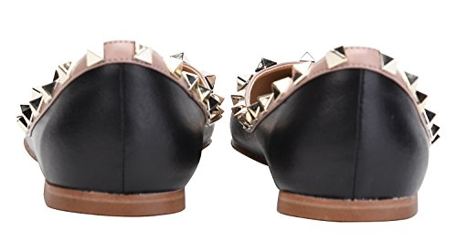 Camssoo Womens Classic Klinknagels Puntige Teen Slip Op Comfort Flats Jurk Pumps Schoenen Zwart / Beige Soft Pu