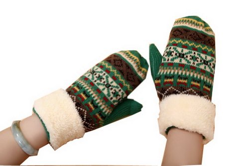 PANDA SUPERSTORE Warm Thick Knitted Gloves Ski/Climbing/Camping Gloves Green