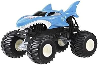 Amazon Com Hot Wheels Monster Jam Shark Vehicle 1 24 Scale Toys Games