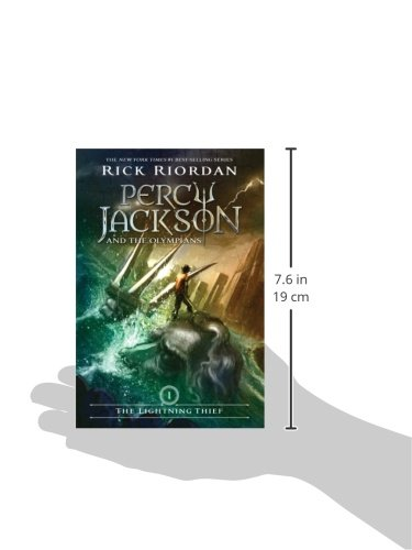 The lightning thief percy jackson and the olympians book 1 the lightning thief percy jackson and the olympians book 1 rick riordan 9780786838653 amazon books fandeluxe Image collections