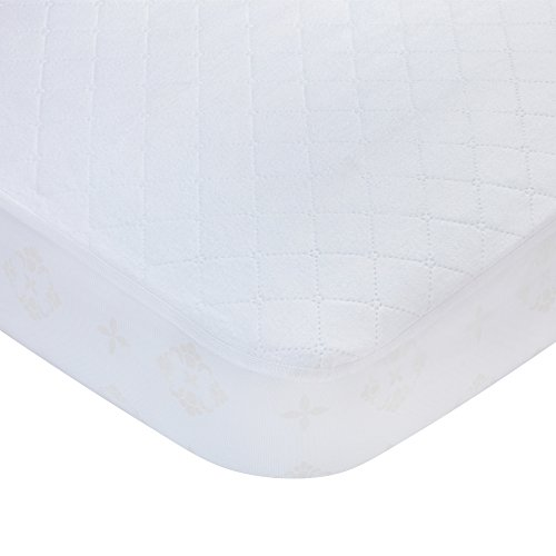 itted Quilted Crib and Toddler Protective Mattress Pad Cover, White ()