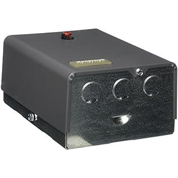 honeywell r8182d 1079 triple aquastat relay and oil burner. Black Bedroom Furniture Sets. Home Design Ideas
