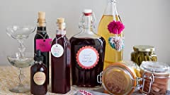 In this class, Kelly and Sarah share six recipes for holiday preserves, all of which make perfect gifts for your favorite foodies. From boozy concoctions to pickled veggies, each recipe is super-simple, quick-to-make, and requires a relativel...