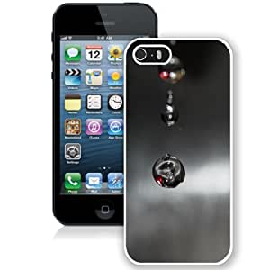 NEW Unique Custom Designed iPhone 5S Phone Case With Macro Black Drops Falling_White Phone Case