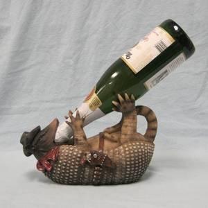 armored-wino-armadillo-figurine-wine-holder