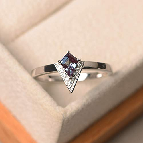 (created alexandrite ring kite cut color changing gemstone June birthstone)