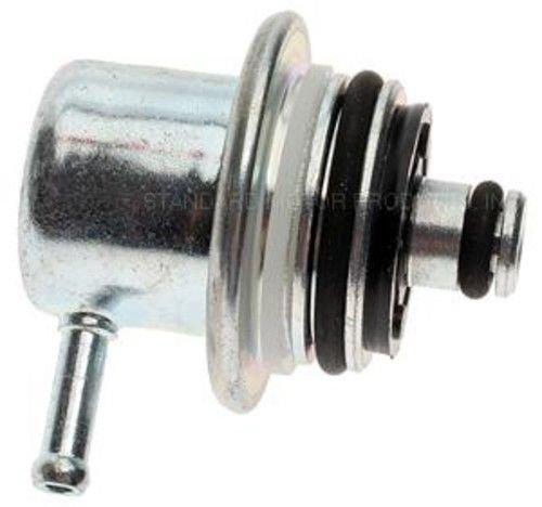 Tru-Tech PR160T Fuel Injection Pressure Regulator ()