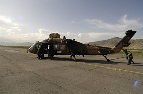 us-and-coalition-forces-unload-a-turkish-international-security-assistance-force-isaf-uh-60-blac