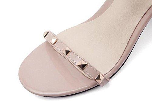 Beauqueen Bombas remache Anke correas abierto-dedo del pie grueso medio talón Summer Wedding Party sandalias femeninas personalizadas Europa tamaño 34-43 apricot