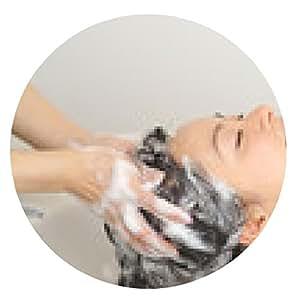 alfombrilla de ratón Las mujeres lavan el cabello con base de champú - ronda - 20cm