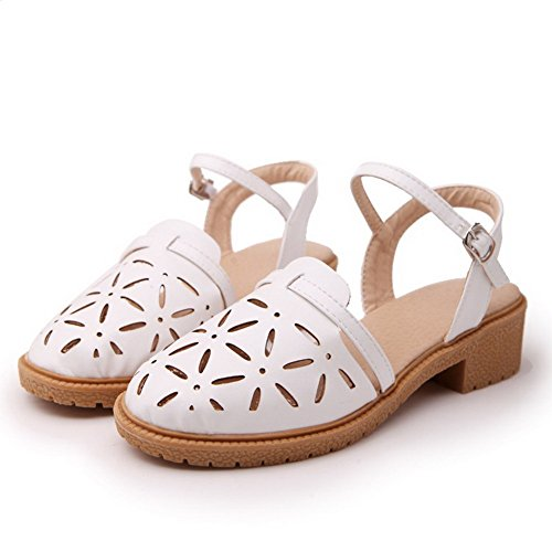 VogueZone009 Women's Low-Heels Soft Material Solid Buckle Closed Toe Sandals White wHWssw3e