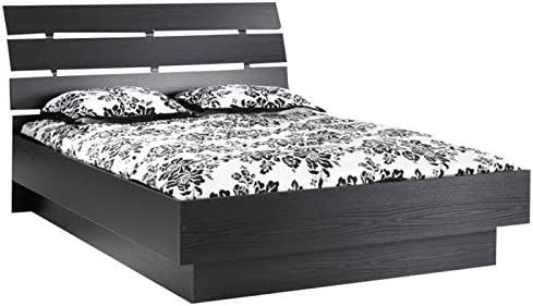 Pemberly Row Queen Platform Bed