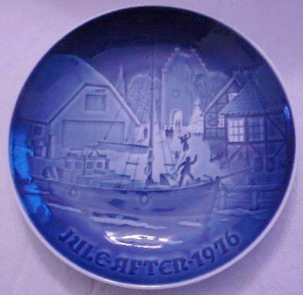 Bing & Grondahl Blue Christmas Plate Jule After 1976 by Bing & Grondahl