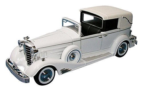 1/32 Scale 1933 Cadillac Town Car by -