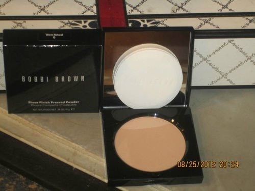 - Bobbi Brown Sheer Finish Pressed Powder - # 06 Warm Natural (BNIB)