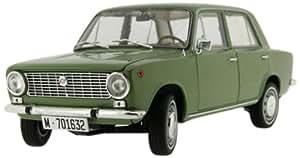 1969 Seat 124 [IST Models IST18001SE] Verde claro, 1:18 Die Cast