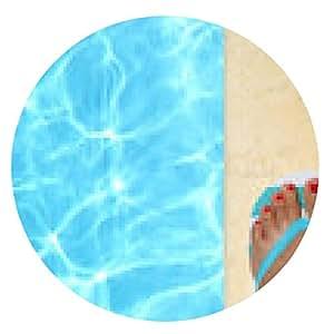 alfombrilla de ratón Pies femeninos con chanclas por la piscina - ronda - 20cm