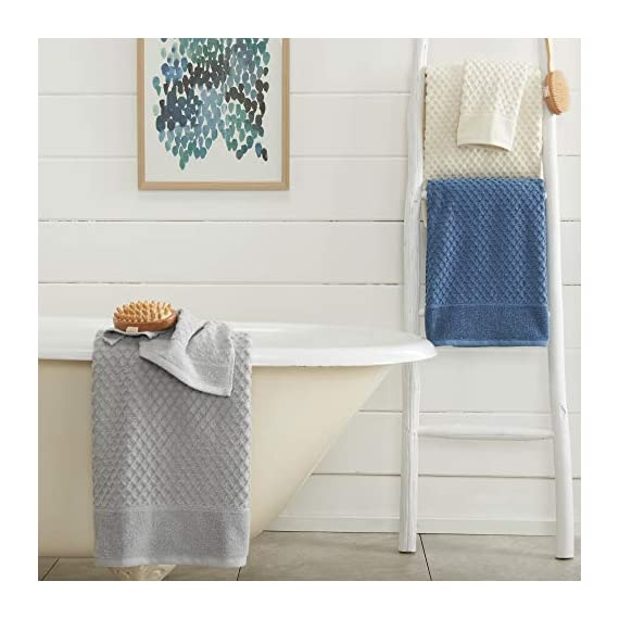 Great Bay Home 100% Cotton Quick-Dry Bath Towel Set (30 x 52 inches) Highly Absorbent, Textured Luxury Bath Towels. Grayson Collection (Set of 4, Optic White) - AFFORDABLE BUNDLE: 4-pack of plush bath towels with a classic and simple pique border and woven detailed pattern. 4 Bath Towels (30 inch x 52 inch) QUICK-DRY, TEXTURED, LATTICE WAFFLE WEAVE: Our Grayson towels are designed to absorb more liquid than ordinary towels, and they dry quickly and completely. SUPER SOFT: These cotton bath towels feel super soft against your skin. Plus, they add a clean and modern look to your bathroom. - bathroom-linens, bathroom, bath-towels - 41mUbOppikL. SS570  -
