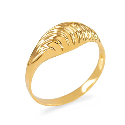 (Glamorous Ribbed Dome Ring in 10k Yellow Gold (Size 7))