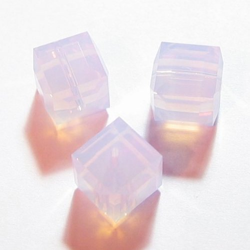 - 2 pcs Swarovski Crystal 5601 Cube Bead Spacer Violet Opal 8mm / Findings / Crystallized Element