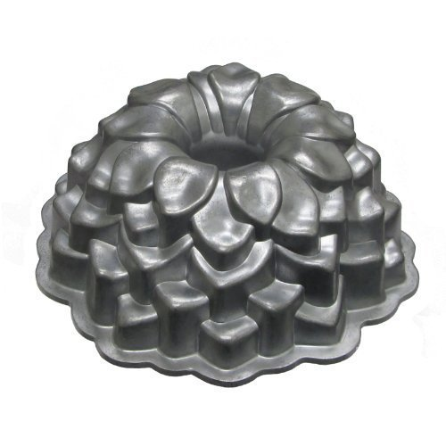 Nordicware Commercial Blossom Bundt Pan