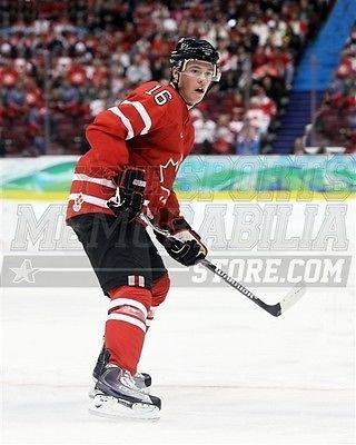 Jonathan Toews Canada 2010 Olympics action photo 8x10 11x14 16x20 photo 1132 - Size 8x10 2010 Olympics Action Photo
