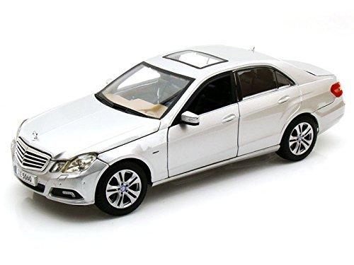2010 Mercedes-Benz E Class 1/18 Silver - Maisto Diecast Models