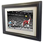 Signed Black Soccer WAYNE ROONEY The Overhead vs Man city Manchester United Autographed Photo Photograph Picture Frame Gift SM