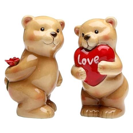 Amazon valentines day heart love bear salt pepper shaker s valentines day heart love bear salt pepper shaker voltagebd Images