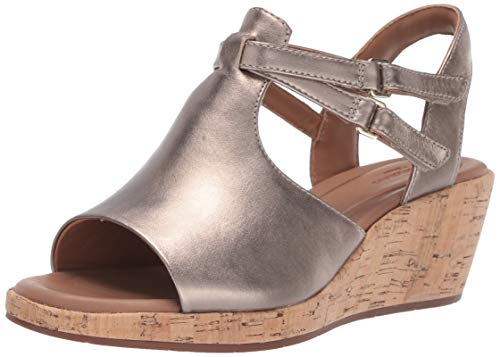 (CLARKS Women's Un Plaza Way Wedge Sandal, Gold Metallic Leather, 75 M US )