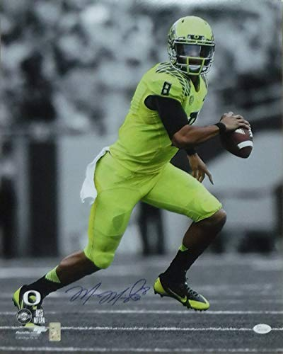 Marcus Mariota Autographed Signed Oregon Ducks 16x20 Photo Yellow - JSA Certified