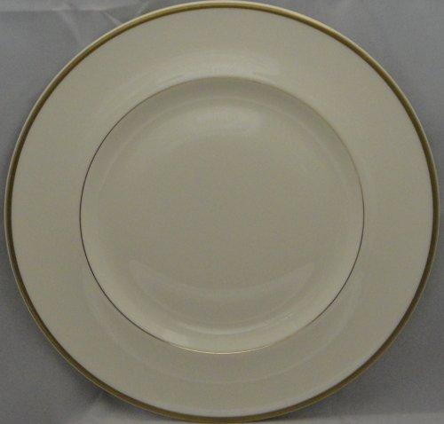 Royal Doulton Heather (Royal Doulton Heather (Gold Trim, Albion Shape) Dinner Plate)