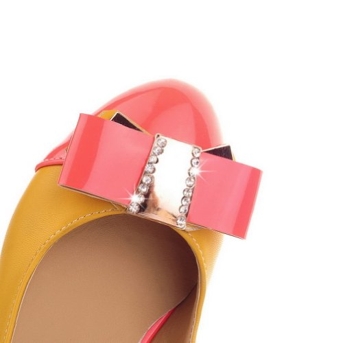 VogueZone009 Womens Closed Round Toe Low Heel Patent Leather PU Assorted Colors Pumps with Bowknot Yellow fsRdeYxEHq
