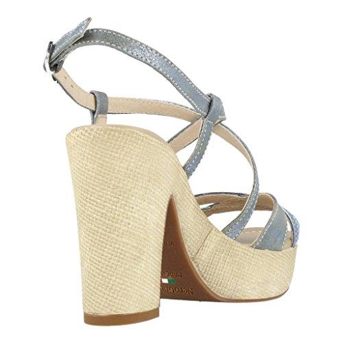 Sandalias y chanclas para mujer, color Plateado , marca NERO GIARDINI, modelo Sandalias Y Chanclas Para Mujer NERO GIARDINI 15631D Plateado Plateado