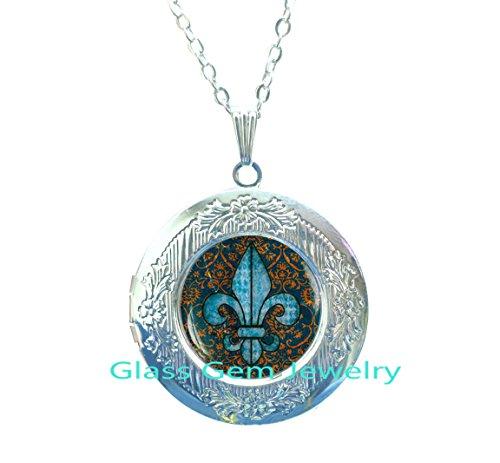 (Fleur de lis Locket Pendant, fleur de lis Locket Necklace , fleur de lis jewelry, heraldry jewelry royal heraldic sign,Q0068)