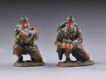 Flame Thrower Boot - Thomas Gunn Miniatures COMM008 British Commando Flamethrower Team