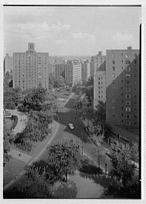 Photo: Parkchester,Bronx,New York. View from 81 Metropolitan Ave. - Bronx Parkchester York New