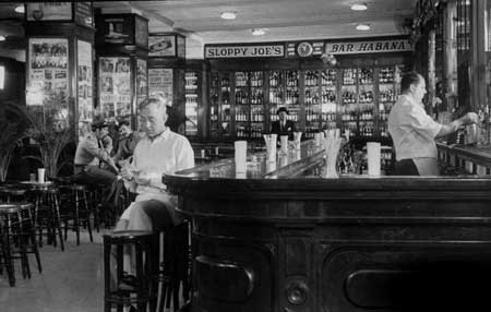 (Photo Movie Star Alec Guinness Sloppy Joe's Bar Cuba)