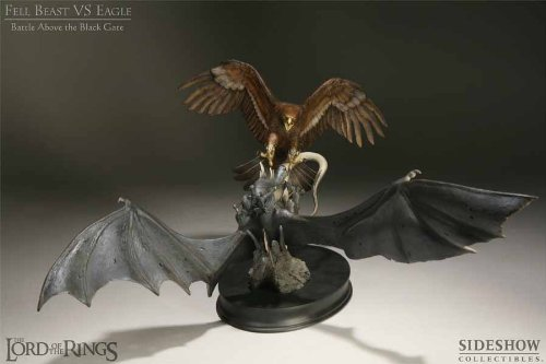 Polystone Diorama - Lord Of The Rings Fell Beast Vs Eagle Polystone Diorama Statue