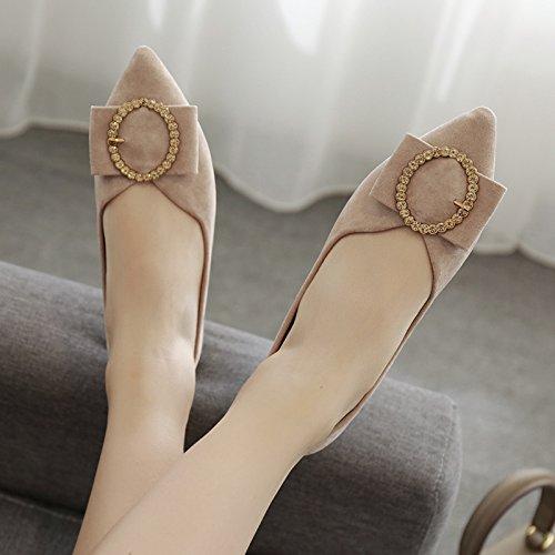 Xue Qiqi Zapatos de Punta Plana Boca Superficial Pajarita Taladro de Agua Plana con Solo Zapatos Femeninos Baja de Satén con Zapatos de Mujer Beige