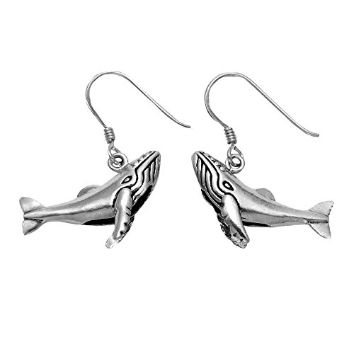 (Sterling Silver Humpback Whale Wire Earrings)