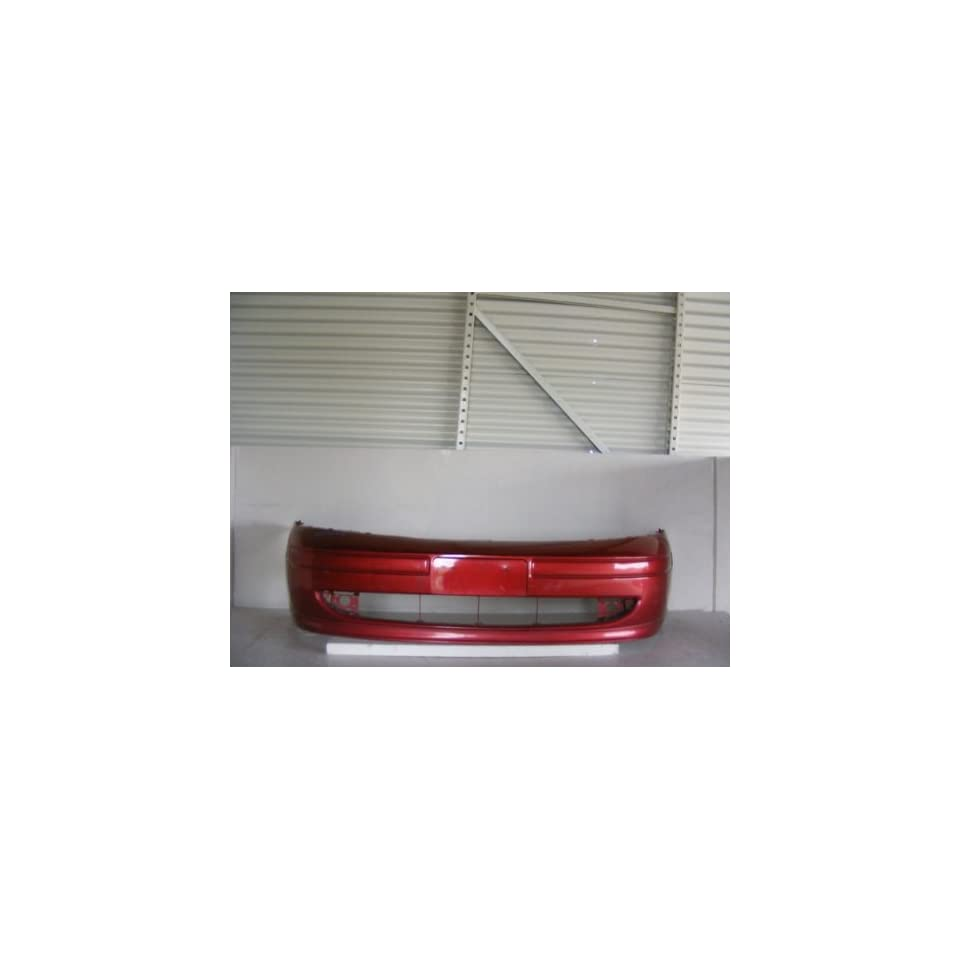 Ford Focus Front Bumper Cover W/O Round Fog Lamps 00 04