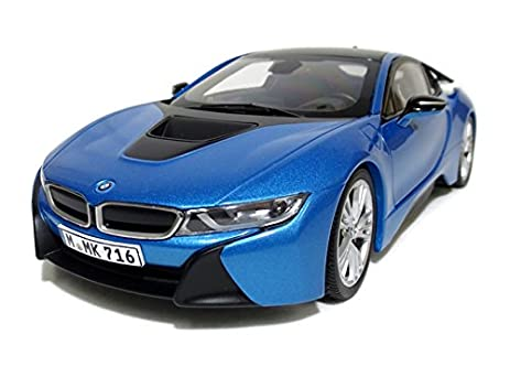 Amazon Com Bmw I8 Protonic Blue And Frozen Grey 1 18 Diecast Model