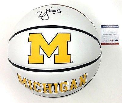 Nik-Stauskas-Signed-Michigan-Wolverines-Basketball-Psadna-V74937