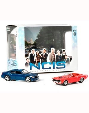 2009 DODGE CHARGER & 1970 PLYMOUTH CUDA from the television show NCIS 2013 Greenlight Collectibles 1:64 Scale Diorama Die-Cast 2 Vehicle Set by NCIS
